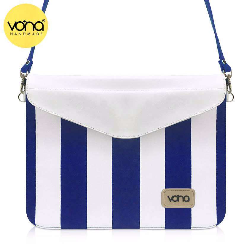 3784_nautical_inuka_clutch__ipad_tablet_softcase_blue_white_1.jpg